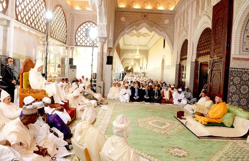 sm_le_roi_preside_la_premiere_causerie_religieuse_du_ramadan_S